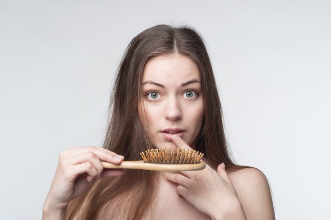 Опаѓањето на косата кај жени е комплексно