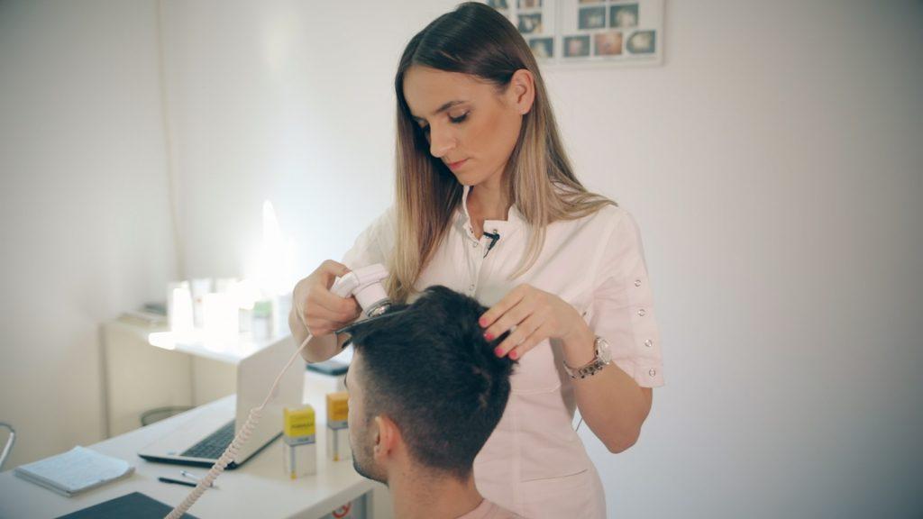 Трихолог - Специјалист за коса и кожа на глава